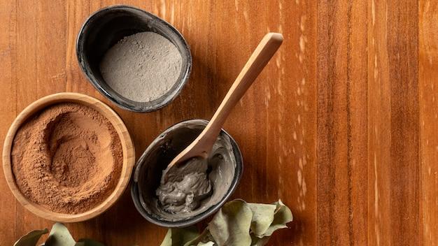 Feche a mistura de pó cosmético