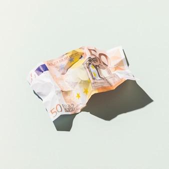 Feche a nota de euro com espaço de cópia