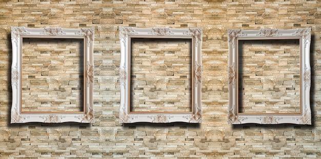 Feche acima da moldura de madeira no tijolo vermelho rústico