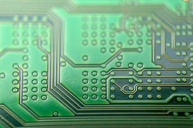 Feche acima do fundo do computador eletrônico de mainboard.