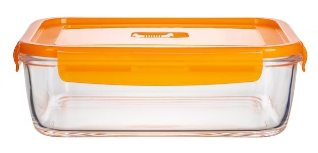 Feche acima dos recipientes de alimento de vidro isolados no fundo branco