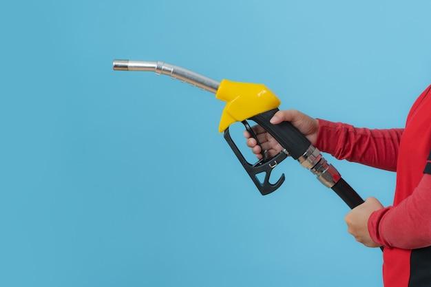 Feche o bico de combustível