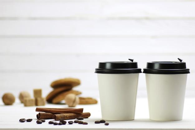 Feijão de copo de papel café