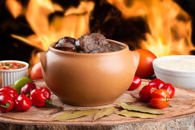 Feijoada. comida tradicional brasileira.