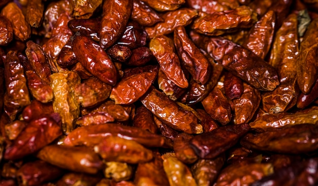 Feijões secos saudáveis no mercado para venda