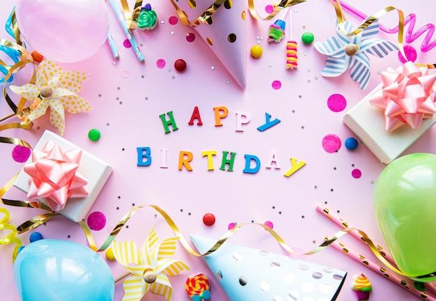 Feliz aniversário fundo rosa