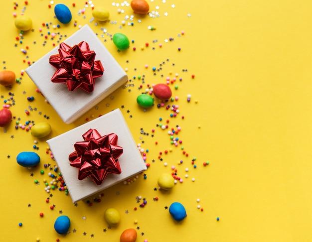 Feliz aniversário ou fundo de festa