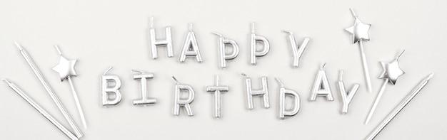 Feliz aniversário velas achatadas