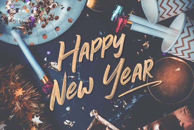 Feliz ano novo 2019 pincelada de mão na mesa de mármore