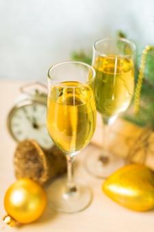 Feliz ano novo com champanhe