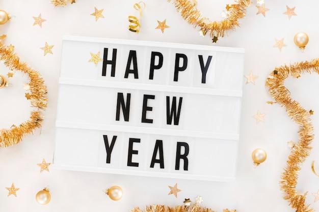 Feliz ano novo sinal com decoração
