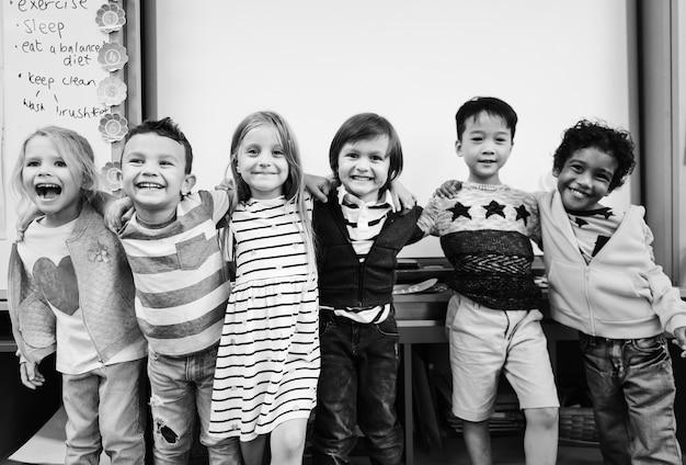 Feliz, crianças, em, um, escola elementar