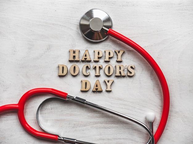 Feliz dia do médico. lindo cartão de felicitações. fundo isolado