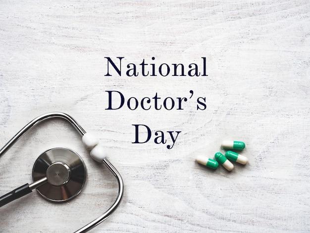 Feliz dia do médico nacional. lindo cartão fechar-se
