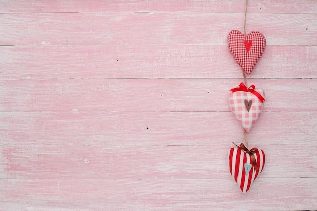 Feliz dia dos namorados amor celebração em estilo rústico isolado.