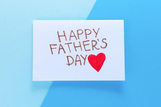 Feliz dia dos pais. cartão com a inscrição feliz dia do pai