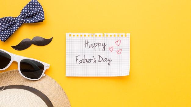 Feliz dia dos pais com óculos de sol