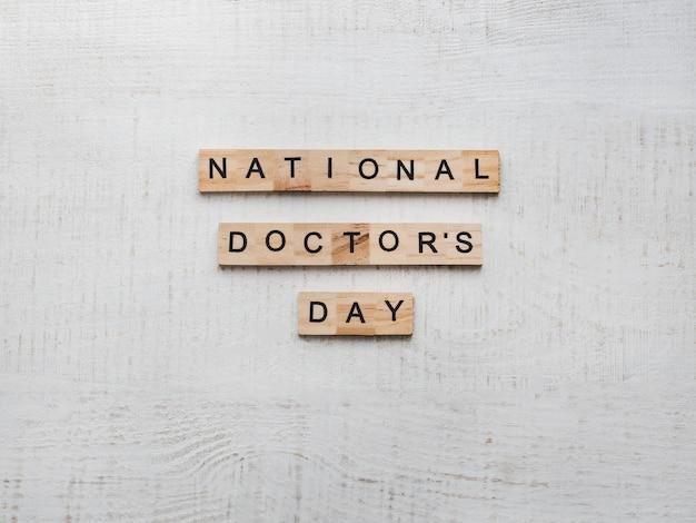 Feliz dia nacional do médico. lindo cartão. fundo isolado