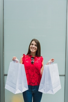 Feliz, femininas, com, bolsas para compras