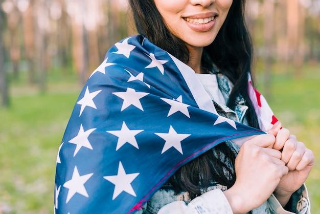 Feliz, femininas, com, estrelas listras, bandeira