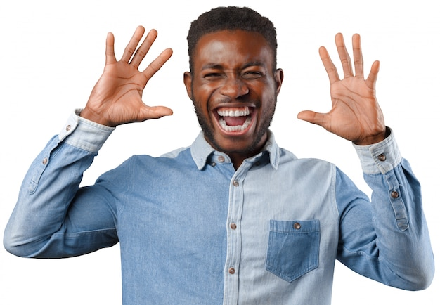 Feliz, homem americano africano, sorrindo