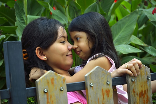 Feliz mãe e filha