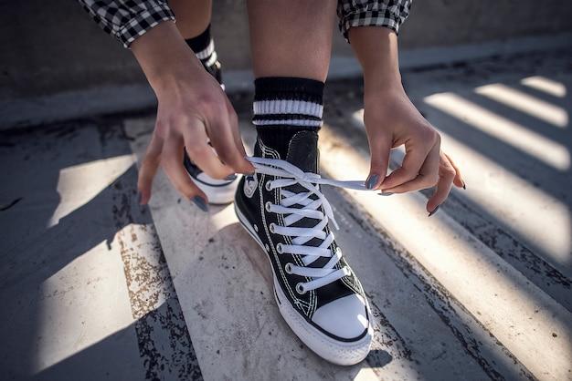 Feliz, moderno, concreto, beleza, bonito, calçado