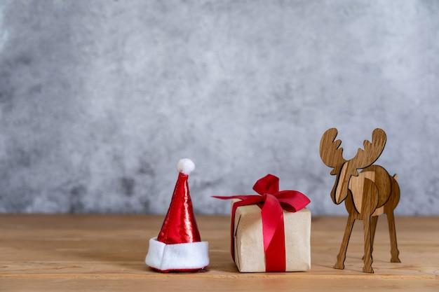 Feliz natal decorações e feliz ano novo conceito de ornamentos.