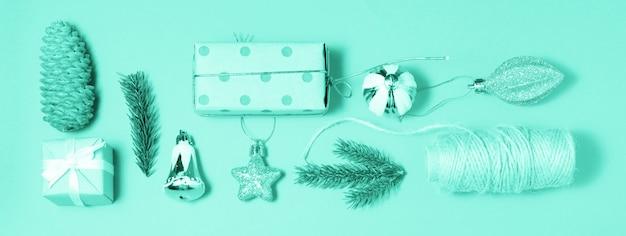 Feliz natal e feliz ano novo fundo de banner verde de decoração