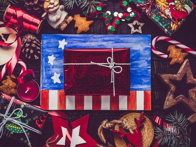 Feliz natal e feliz ano novo. lindo cartão