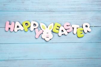 Feliz Páscoa colorida letras feliz Páscoa de biscoitos de gengibre e cookies coelho