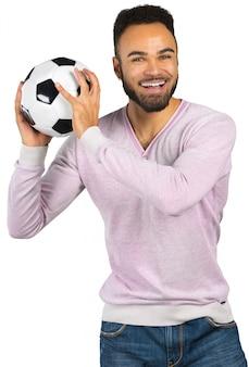 Feliz, sorrindo, homem africano, mostrando, futebol