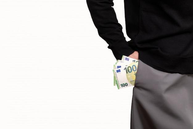 Feminino mão segura euro bolso fundo branco dinheiro