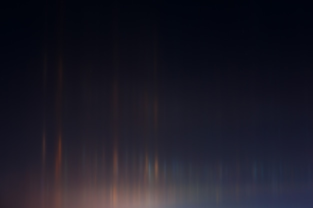 Fenômeno de luz na atmosfera quando o gelo está muito frio. espaço celestial com um brilho intenso.