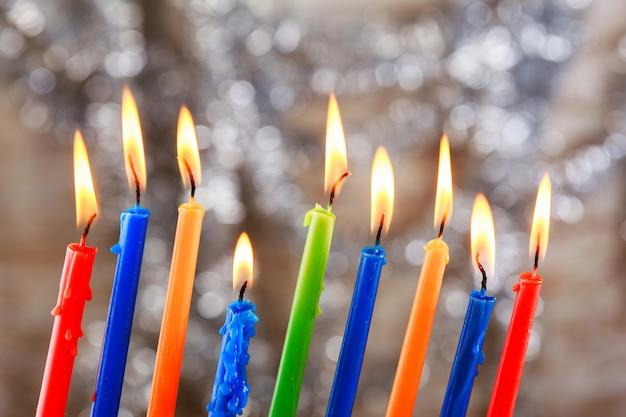 Feriado judaico tallit lighting hanukkah candles celebration