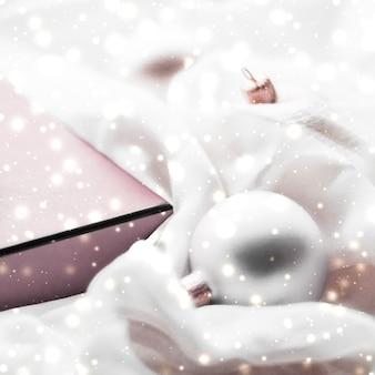 Feriados branding glamour e decoração conceito natal magia feriado fundo festivo bugigangas ...