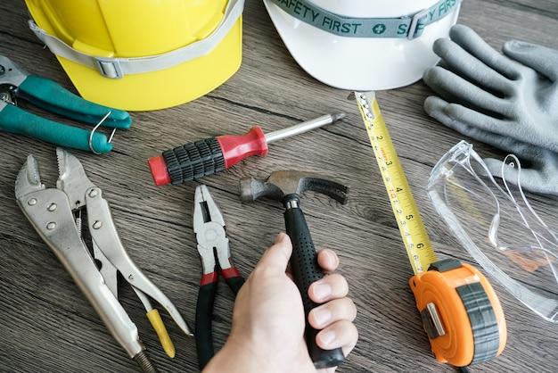 Ferramenta de artesão, para homem trabalhador. mão de hemmerin