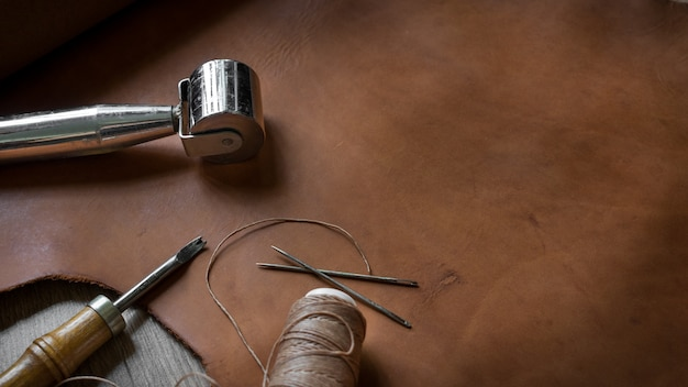 Ferramentas de artesanato em couro