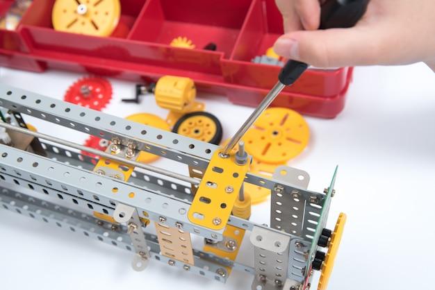Ferramentas de brinquedos de construção de crianças.