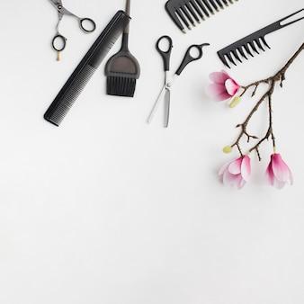 Ferramentas de cabelo com flor de sakura