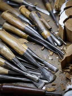 Ferramentas de escultura em madeira