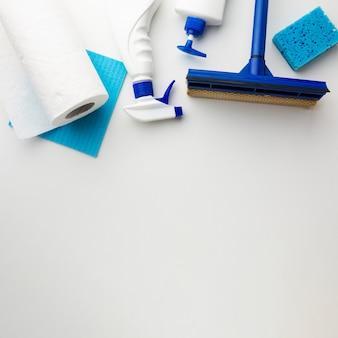 Ferramentas de limpeza com espaço para texto