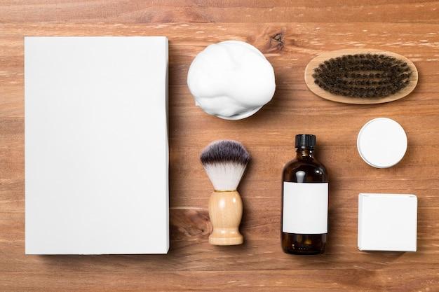 Ferramentas de preparação de barbearia e vista superior de espuma