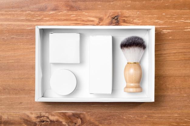 Ferramentas de preparação de barbearia em uma caixa