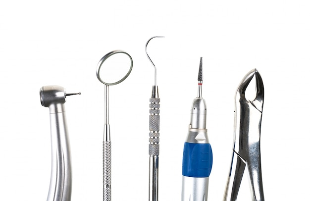 Ferramentas do dentista na fileira