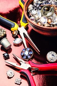 Ferramentas e acessórios para fabricação de jóias