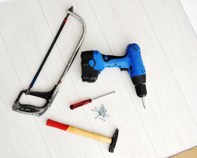 Ferramentas e equipamentos para o trabalho