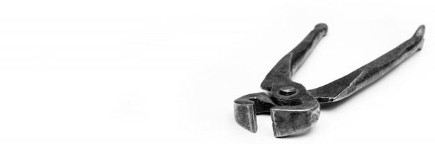 Ferramentas para puxar pregos alicate de metal antigo.