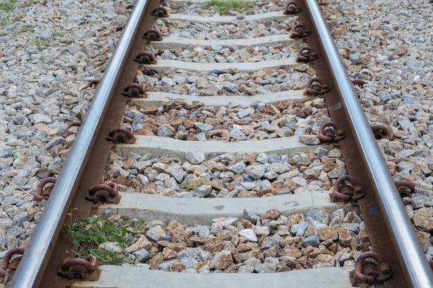 Ferrovia, trilhas, pedra