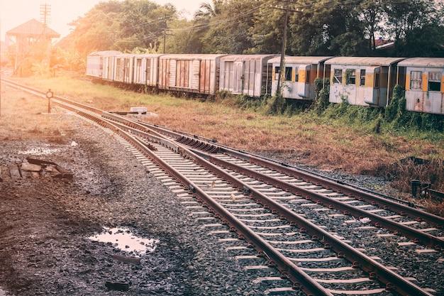Ferroviária no sudeste asiático.